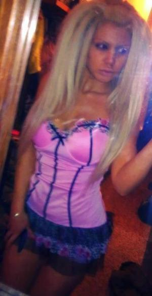 Chantelle from Newark, Delaware is interested in nsa sex with a nice, young man