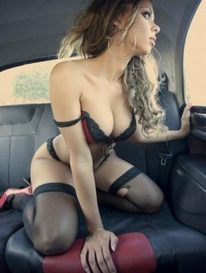 Aura from Broadway, Virginia is looking for adult webcam chat