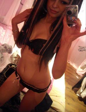 Angelika from Idaho is interested in nsa sex with a nice, young man