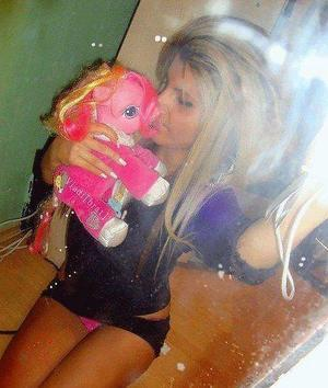 Pricilla from Wisconsin is interested in nsa sex with a nice, young man