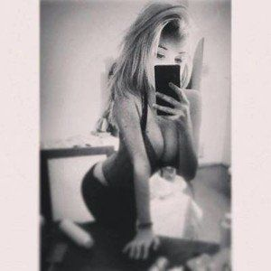 Claudie from Grapeview, Washington is looking for adult webcam chat